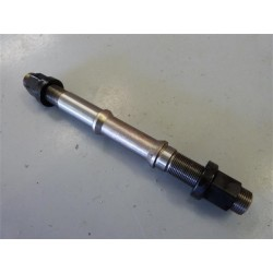 PROPER NEW STYLE HEAT TREATED 14mm REAR AXLE WITH CROMO NUTS